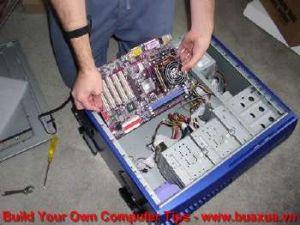 TRUNG TAM TIN HOC KEY_ Ráp mainboard vào thùng máy tính